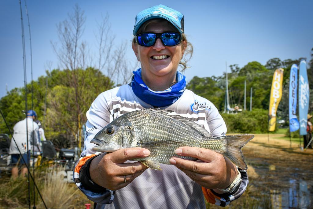 power-pole-sponsored-angler-ruth-beeby-3
